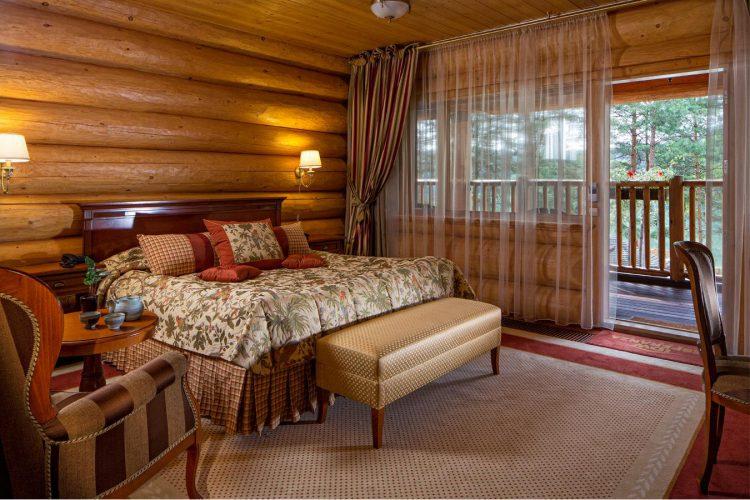 Деревянные гостиницы и усадьбы